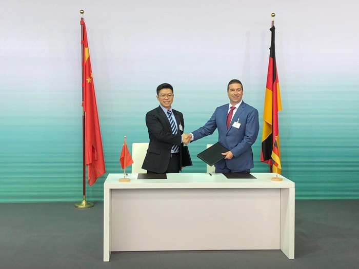 Huawei and Audi_Signing Ceremony