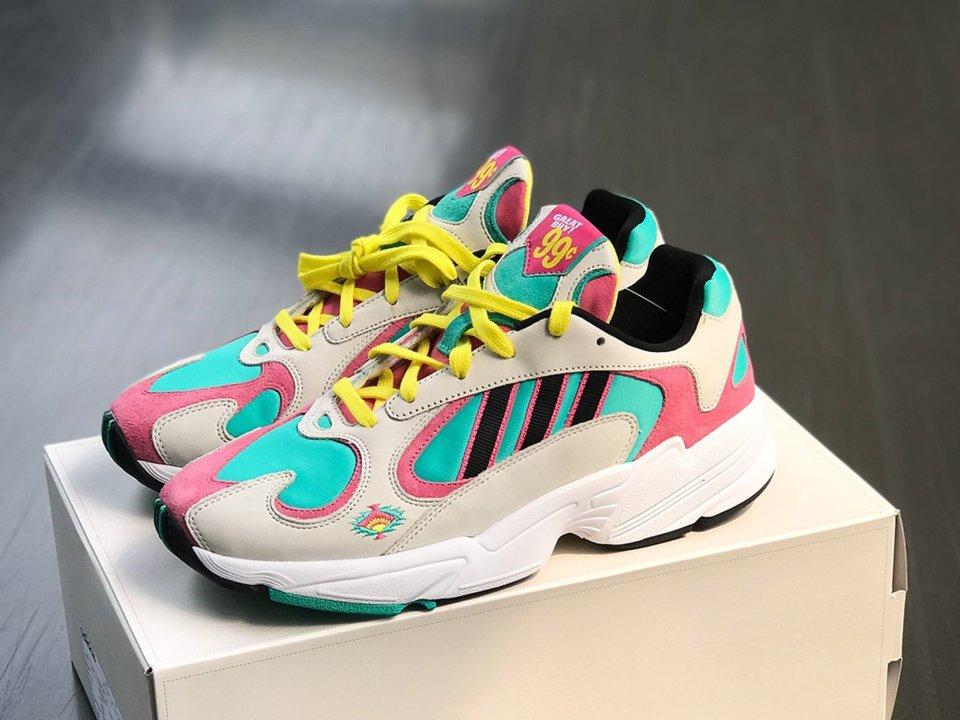 Adidas มาแนวใหม่จับมือชาชื่อดัง Arizona Iced Tea เปิดตัวรองเท้าผ้าใบ 2 รุ่น วางขายราคา 30 บาท
