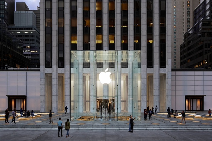 Apple-Store-fifth-avenue-2019-02