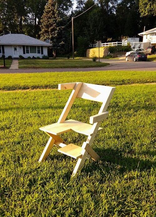 Bi-Chair-02