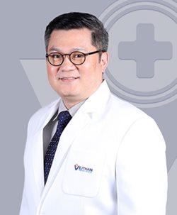 นพ.ประยุทธ อังกูรไกรวิชญ์ อายุรแพทย์โรคติดเชื้อ โรงพยาบาลเวชธานี